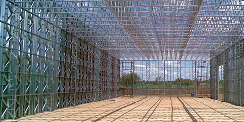 Metal structure for galvanized steel farm building
